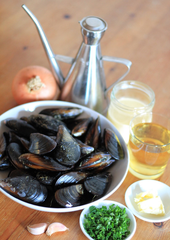 Steamed Mussels in Cream and Cider recipe 1.jpg