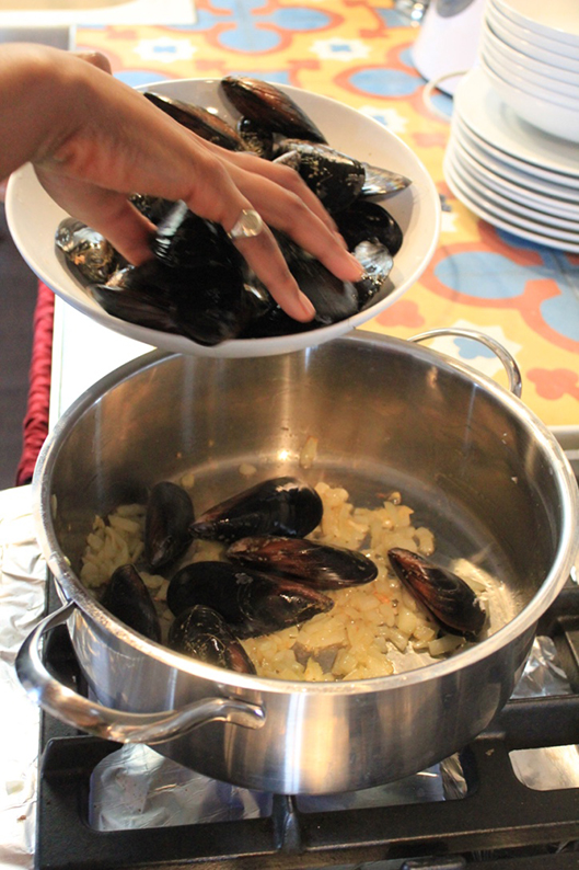 steamed-mussels-in-cream-and-cider-recipe-6